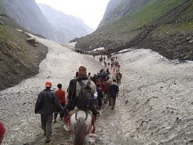 Amarnath Yatra remains suspended for third consecutive day; 15000 stranded in Jammu