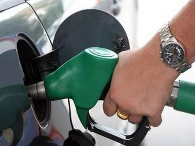 Petrol price cut by 32 paise; diesel to cost 28 p/litre more