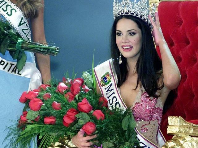 पूर्व मिस वेनेजुएला मोनिका की मौत से पहले की कुछ खूबसूरत तस्वीर
