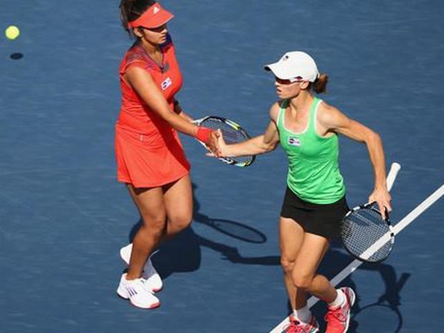 ऑस्ट्रेलियन ओपन के महिला डबल्स के क्वार्टर फाइनल में हारकर सानिया बाहर