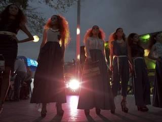 In Pics: हुस्न परियों से भरे कोलंबियन फैशन फेयर के नज़ारे