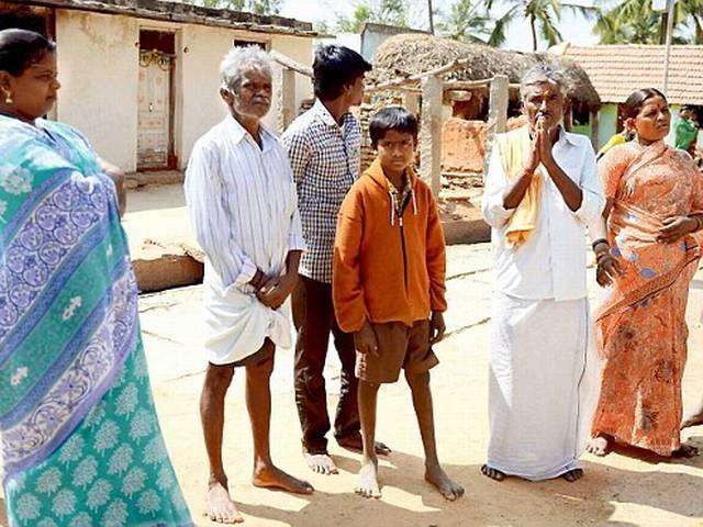 सामाजिक नाइंसाफी की घुटन में पानी और अनाज के लिए गिड़गिड़ा रहे हैं कर्नाटक के दलित
