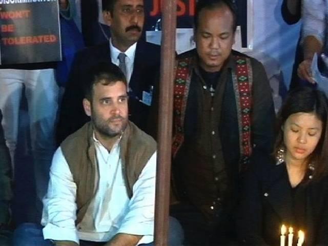 उत्तर पूर्व के छात्रों के धरने में राहुल गांधी के पहुंचने के बीच इस केस में तीन आरोपी गिरफ्तार