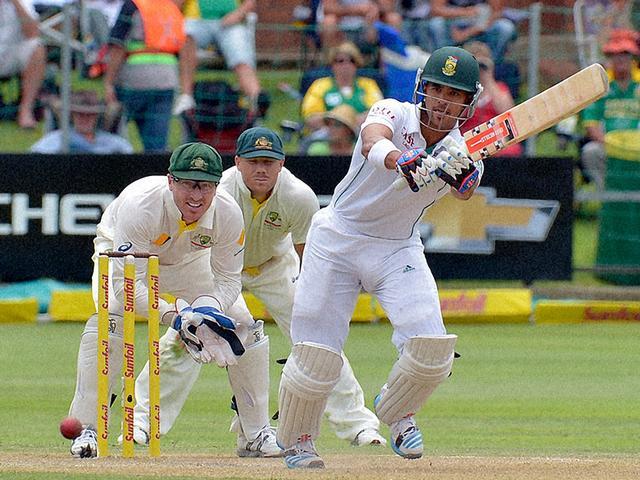 बल्लेबाजों के बाद अफ्रीकी गेंदबाजों ने दिखाया दम, बैकफुट पर ऑस्ट्रेलिया