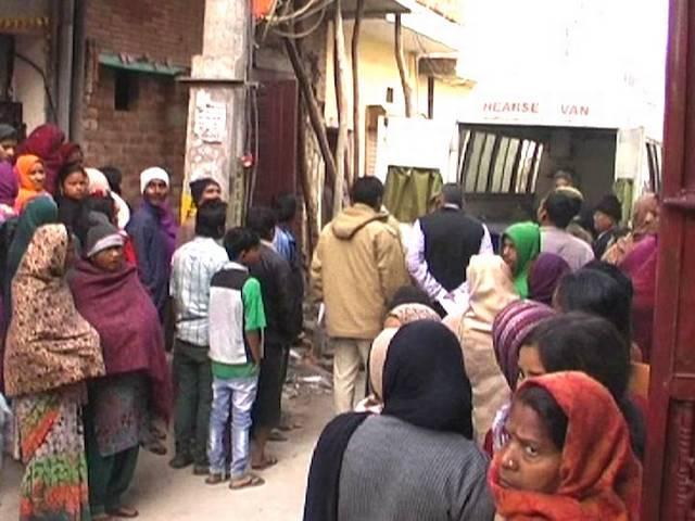 दिल्ली में हुई दिल को दहलाने वाली ये घटना, एक ही परिवार के चार लोगों की हुई मौत
