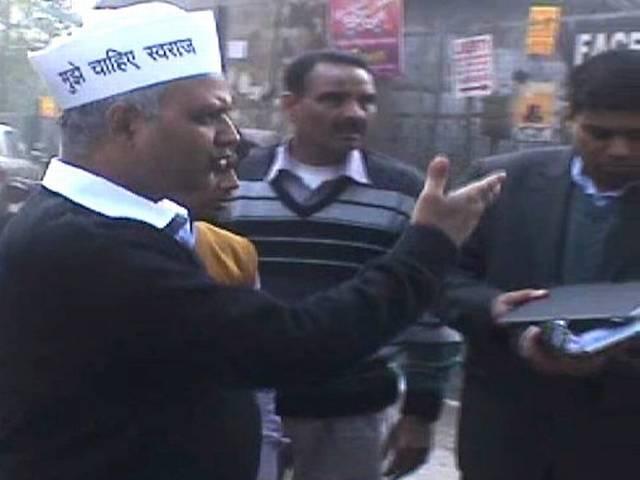 खिड़की एक्सटेंशन छापेमारी मामला में हुई जांच में दिल्ली पुलिस को क्लीन चिट