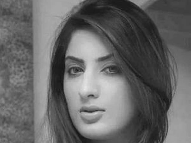 अभिनेत्री सना खान की सड़क हादसे में मौत