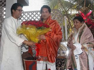 राज ठाकरे के द्वार पहुंचे दो-दो भारतरत्न
