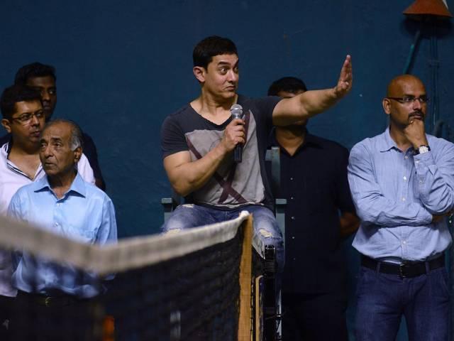 टेनिस कोर्ट पर आमिर की 'धूम'