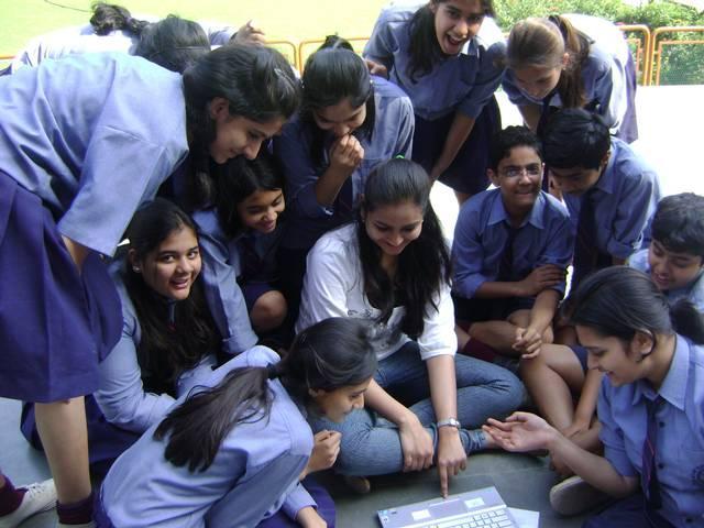 चेतावनी: तेजी से गायब हो रही हैं भारत में लड़कियां!