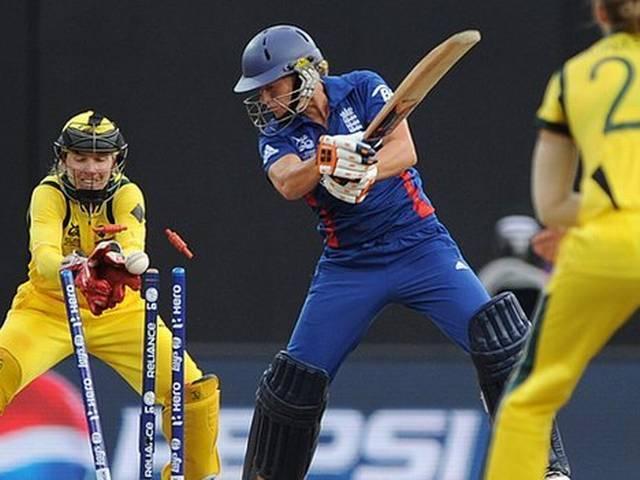 महिला टी-20 विश्व कप : इंग्लैंड ने आस्ट्रेलिया को दिया 106 रनों का लक्ष्य