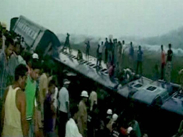 असम: मोरीगांव में दीमापुर-कामाख्या एक्सप्रेस के नौ डिब्बे पलटे, 50 से ज्यादा घायल