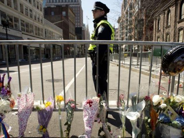 बोस्टन मैराथन में दो लावारिस बैग में बम होने के डर से हड़कंप