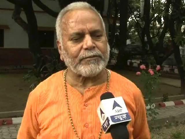 गांधी परिवार में फूट के कारण बीजेपी में हैं वरुण गांधी: स्वामी चिन्मयानंद