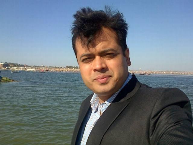 LIVE CHAT में शाम पांच बजे से अभिसार शर्मा से पूछें सवाल