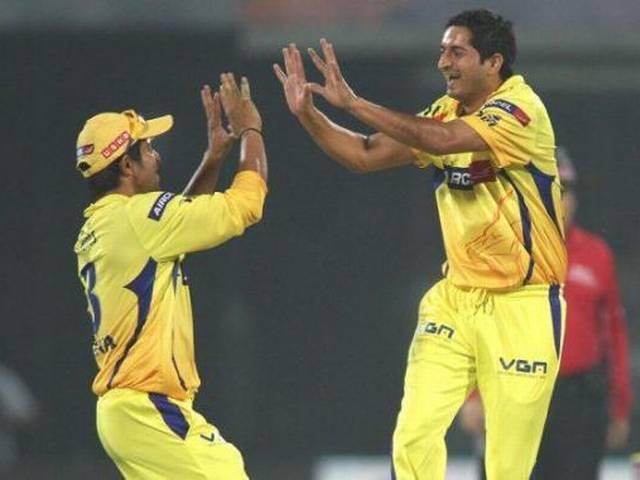 मोहित को चार विकेट, चेन्नई ने मुंबई को 141 रन पर रोका