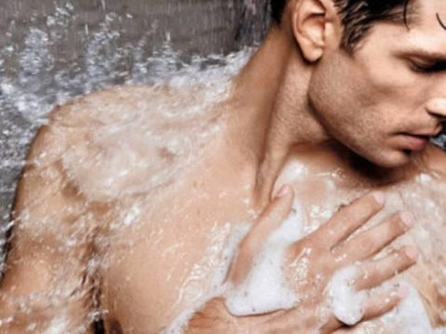 हर तीसरा मुंबइया रोज़ नहीं नहाता