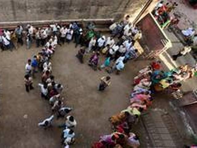 तेलंगाना में शुरूआती घंटों में तेज मतदान
