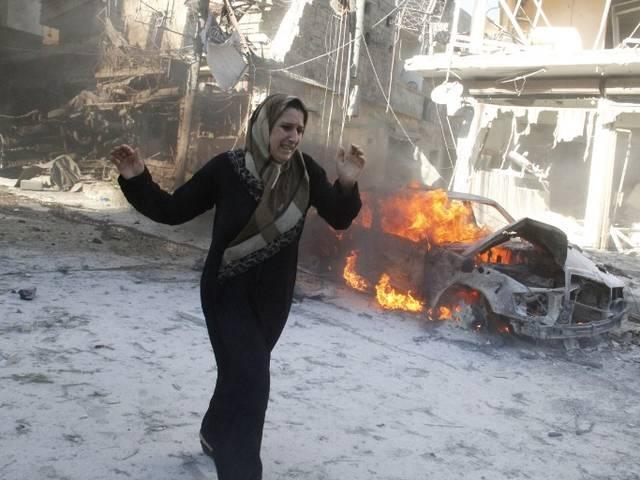 सीरिया की असद सरकार पर हवाई हमला कर कम से कम 33 लोगों को मारने का आरोप