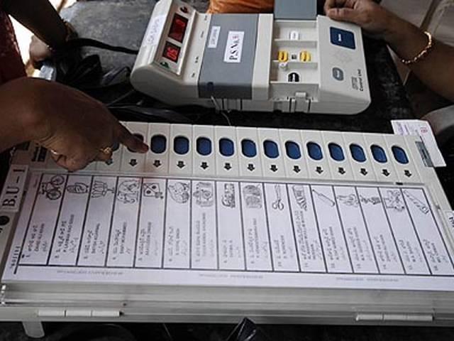 बंगाल में हिंसा के बीच करीब 70 फीसदी मतदान