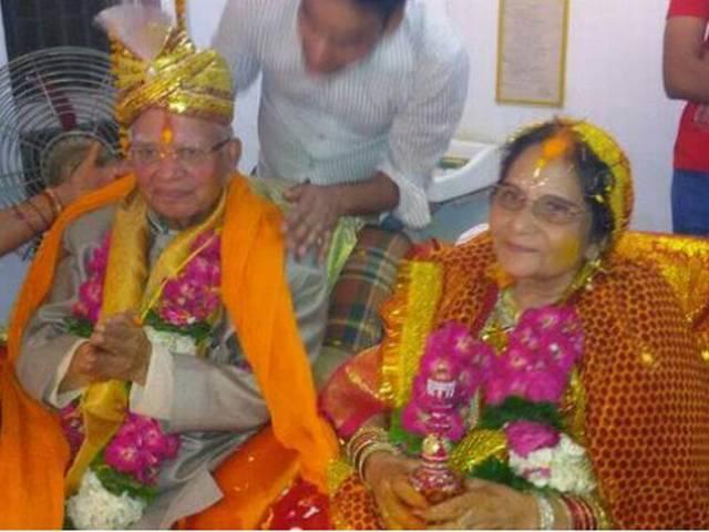 एनडी तिवारी ने 88 साल की उम्र में की शादी, उज्जवला शर्मा के साथ लिए सात फेरे