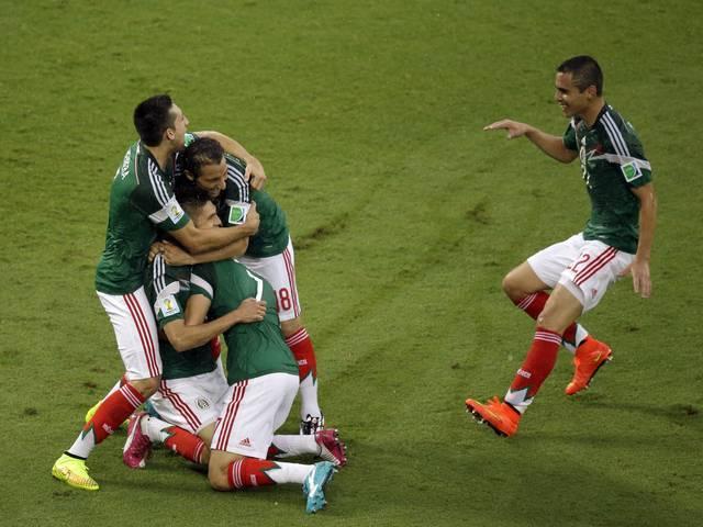 फीफा विश्व कप: पेराल्टा के गोल से मैक्सिको ने कैमरून को 1-0 से हराया