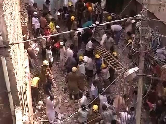 delhi_inderlok_building_collapse