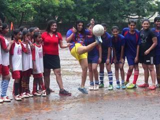 rakhi_sawant_football_fever