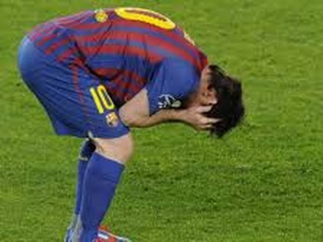 _Leonel _Messi _misses _it _big _time