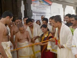 president_pranav_mukharjee_in_Padmanabha_Swami_Temple