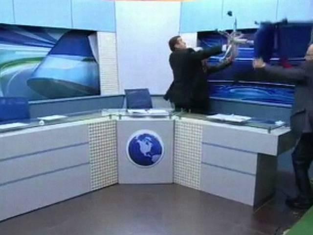 tv studio_journalist_show