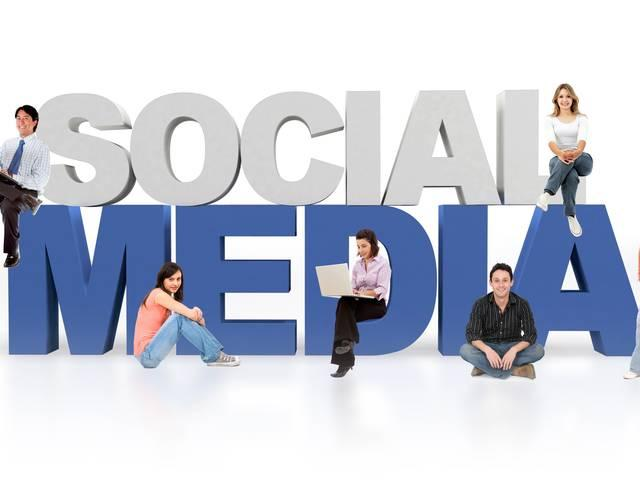 To_move_for_career_employees_are_using_social_media