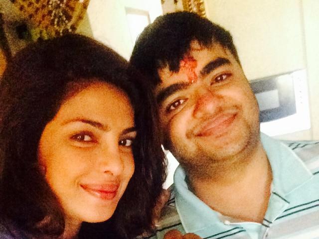 priyanka_celebrate_rakhi_in_sprcial_manners
