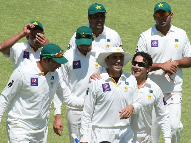 maximum catch for pakistan in test match