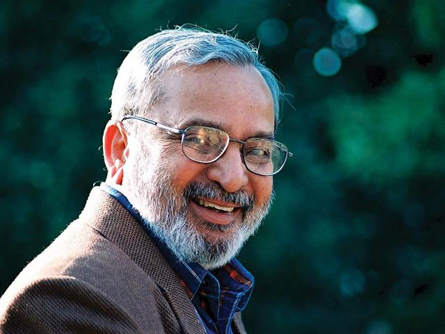 Hindu outfits like RSS and Bajrang Dal celebrates U R Ananthamurthy's by firing crackers