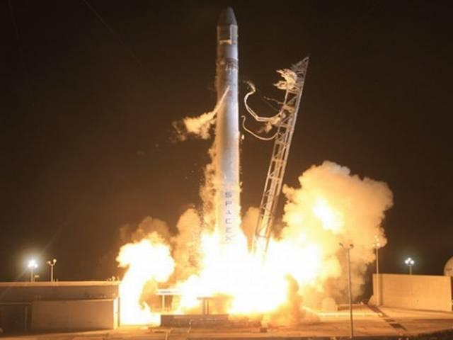 Space-X rocket explodes during its test
