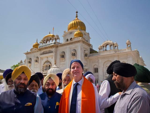UK Deputy PM Nick Clegg visits Bangla Sahib Gurudwara