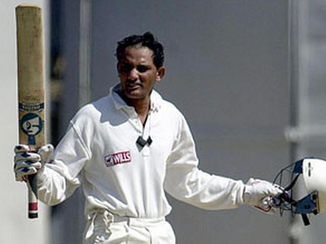 dhoni equal azhar record