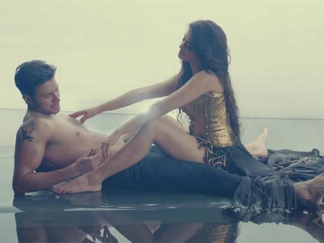 surveen_chawla_hot_song_in_creature3D