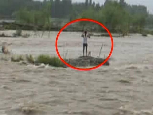 manzur_ahamed_flood_saved