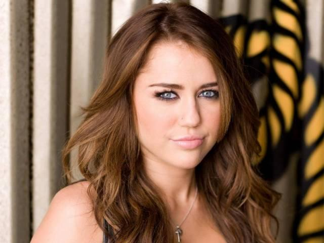 miley cyrus_topless_hollywood