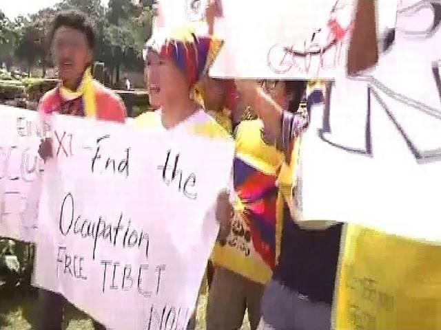 china_president_protest_tibbaties