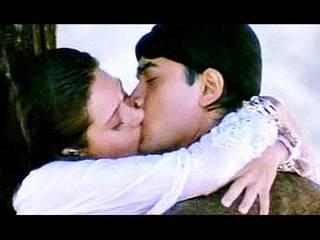 kareena_katrina_aamir_kissing scene_anushka sharma_deepika