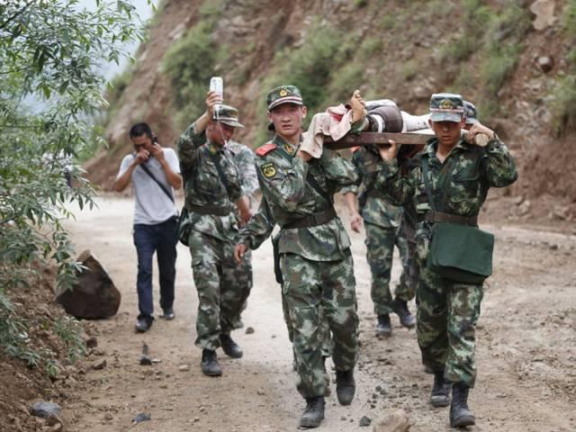 earthquake kills one and injures 324 in china