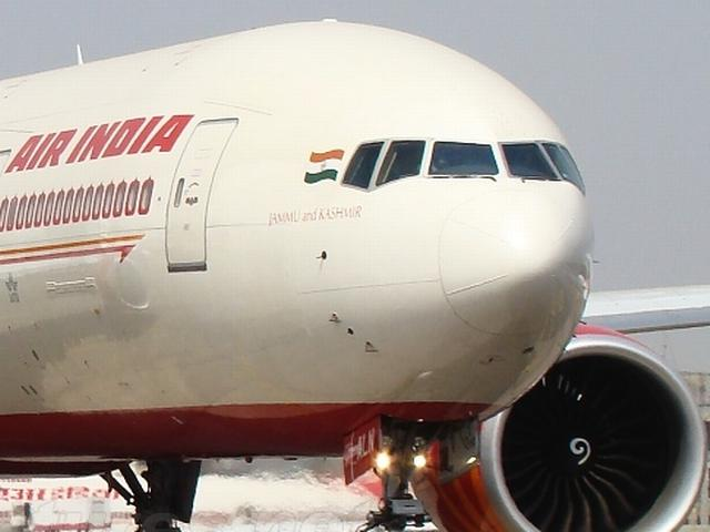 cash starved air india wasting 60 lakh dollar per year on the insurance of non used planes