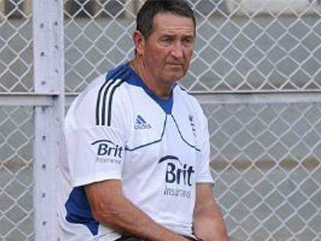 graham gooch rejects kevin pietersen's allegation