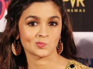 Alia Bhatt beauty and their different poses
