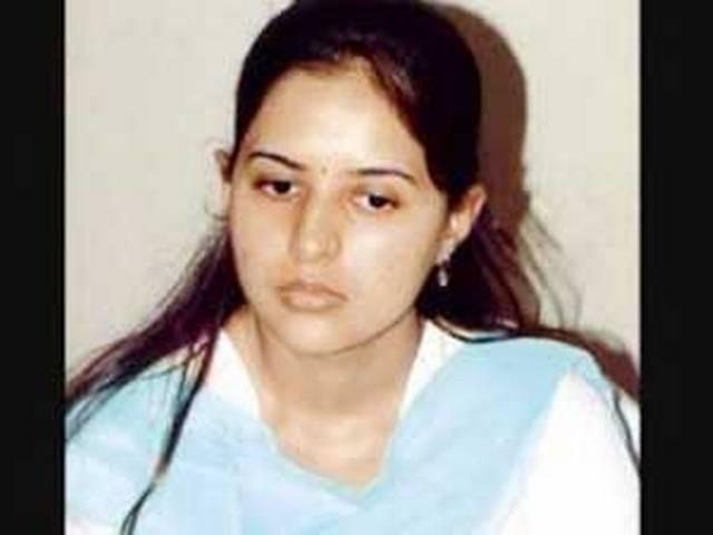 gopinath munde's daughter makes history, wins with a margin of seven lakh votes