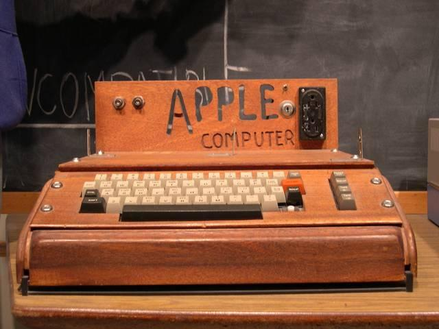 apple-first-computer