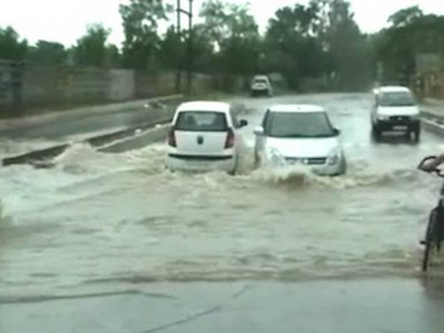 जयपुर में भारी बारिश, चार लोगों की मौत